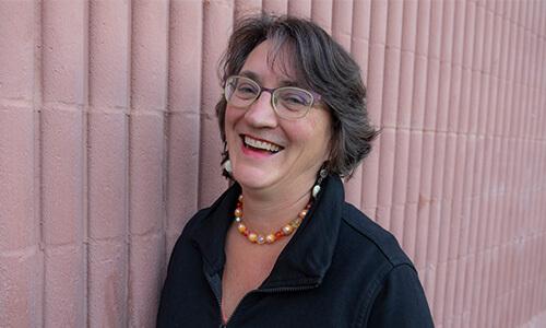 Denise Henrikson headshot